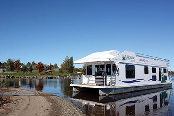 Houseboat rental from Lakeway Houseboat Vacations