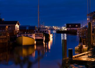 Fishermans Cove - View to the city by